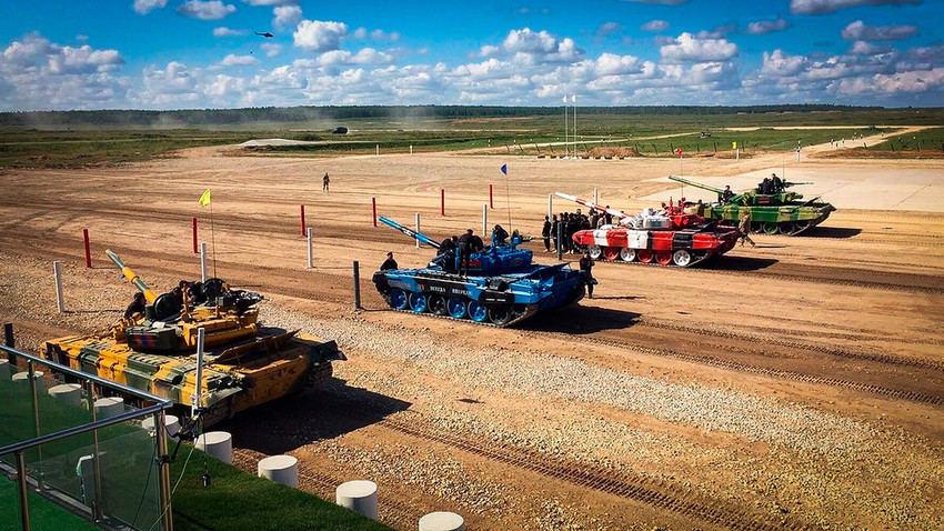 Мали предах од фудбала: Добро дошли на Међународни тенковски биатлон!