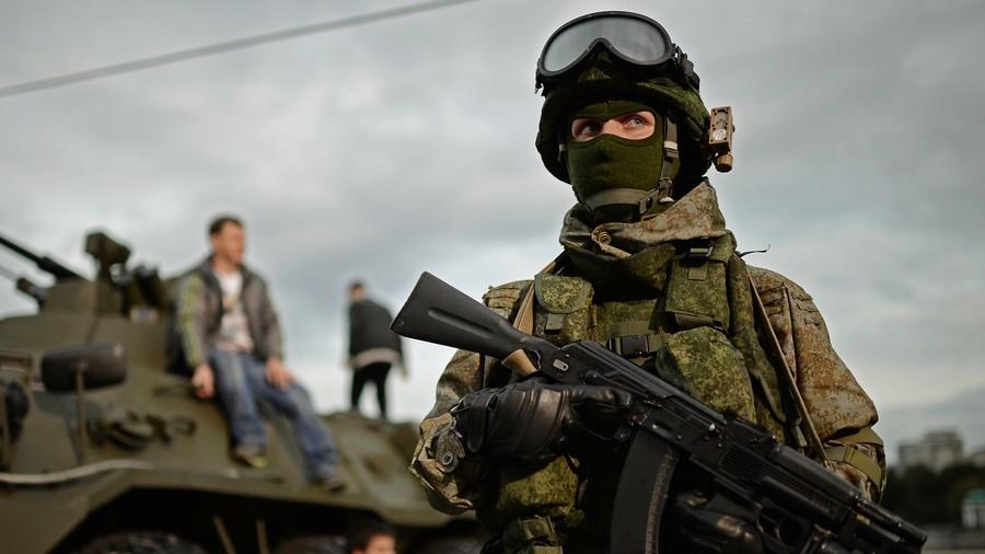 """РТ: """"Ростек"""" направио """"камелеонску маску"""" за војнике и војну опрему"""
