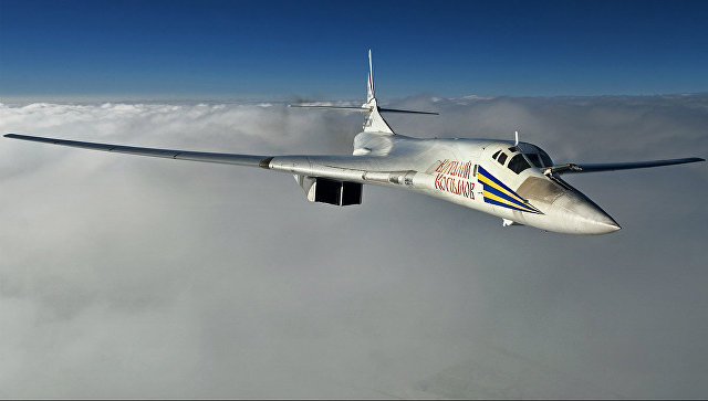 Стратешки бомбардери Ту-160 извели маневре на Средоземном мору