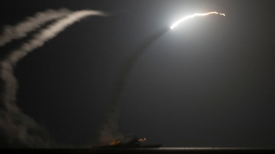 """РТ: Пентагон """"рутински"""" информише Трампа о """"војним опцијама"""" у случају хемијског напада у Сирији"""