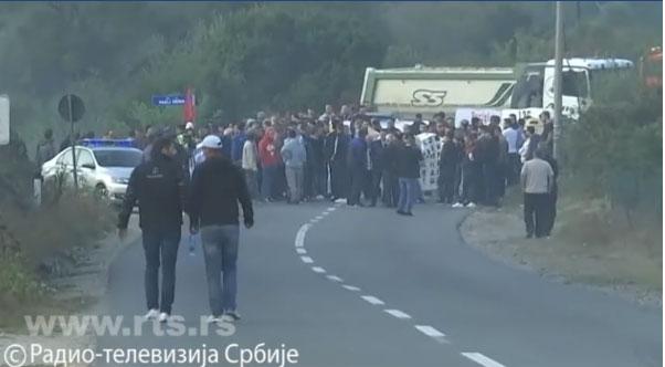 Терористи ОВК блокирали пут ка Бањама, чули се рафали