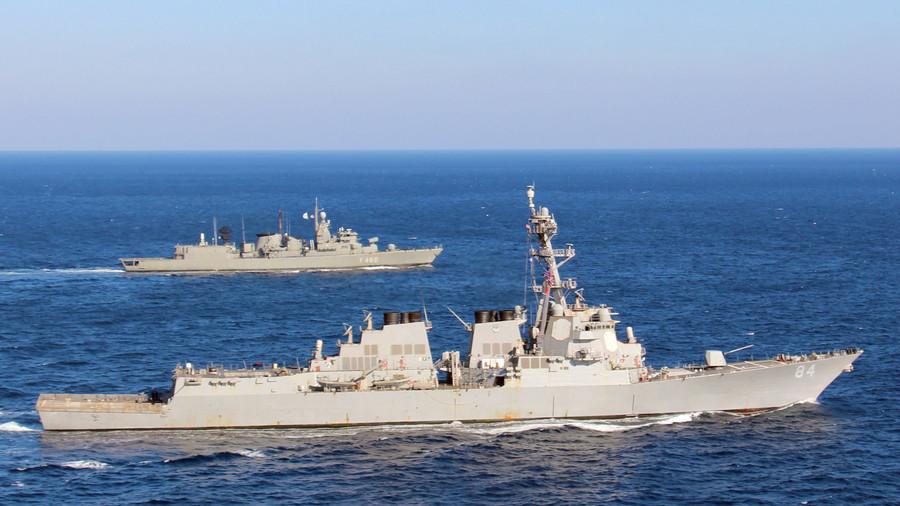 РТ: Амерички разарач стигао у Средоземно море док расту тензије у Сирији