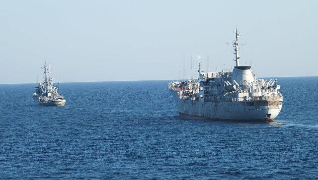 Бродови украјинске морнарице се приближавају Кримском мосту