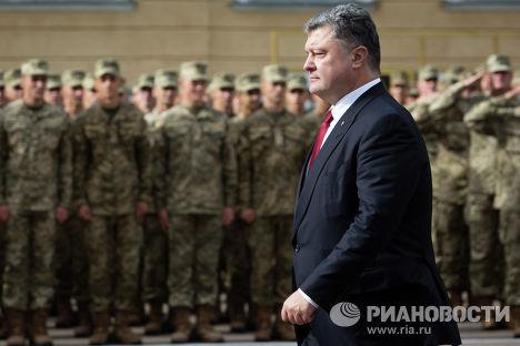 """Украјиснки посланик исмејао изјаву Порошенка о """"најјачој војсци на континенту"""""""