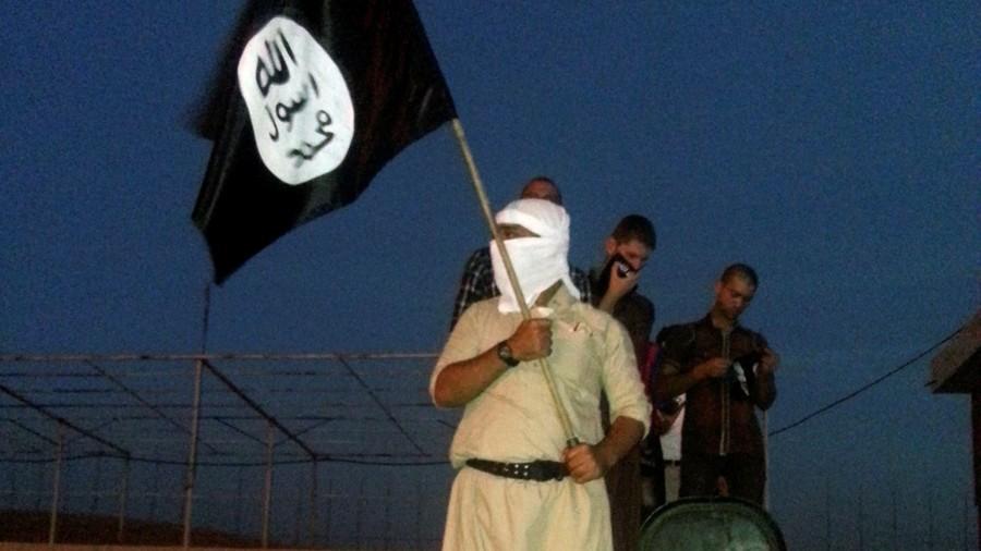 """РТ: """"Исламска држава"""" плаћа борце златом и сребром за обарање авиона и хемијске нападе"""