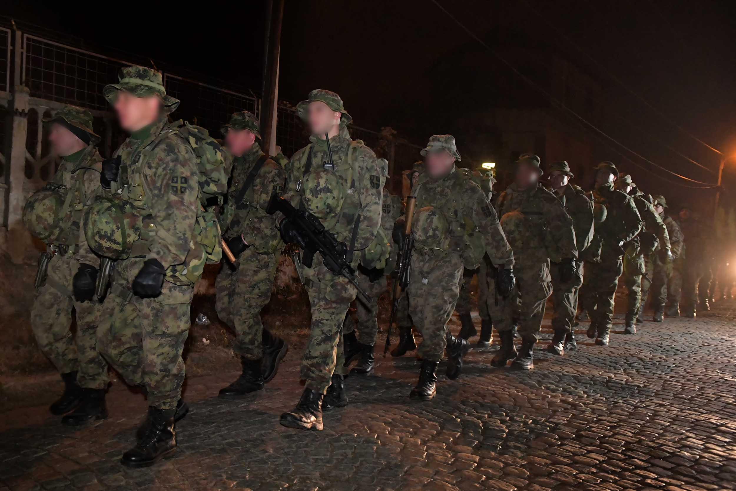 Pripadnici niškog 63. padobranskog bataljona izveli kondicioni marš u dužini od 20 kilometara