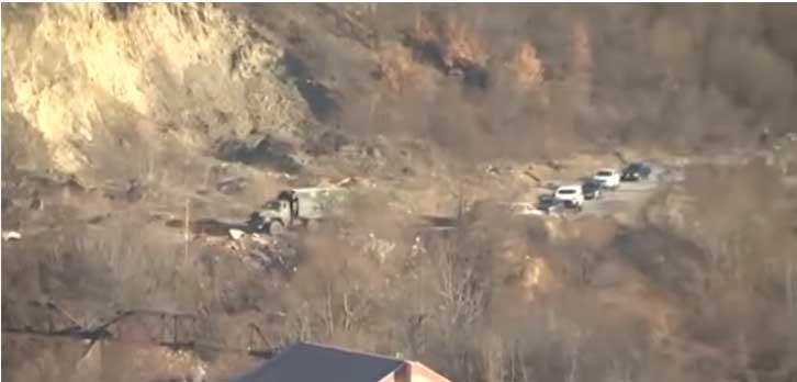 Колона Кфорових возила на северу Косова, носе опрему за блокаде