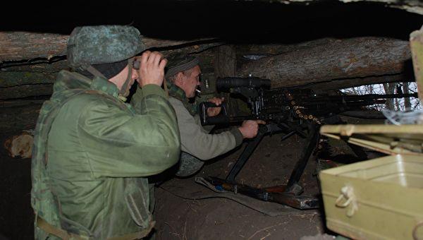 Кијев у Донбас допремио 60 тенкова и оклопних возила