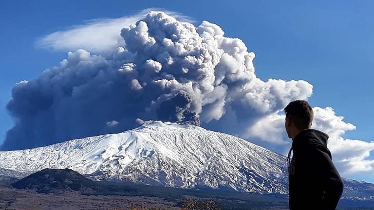 РТ: Ерупција вулкана Етна