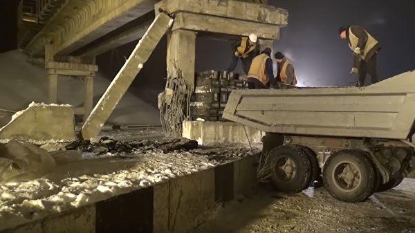 У Доњецку дигнут у ваздух потпорни стуб железничког моста