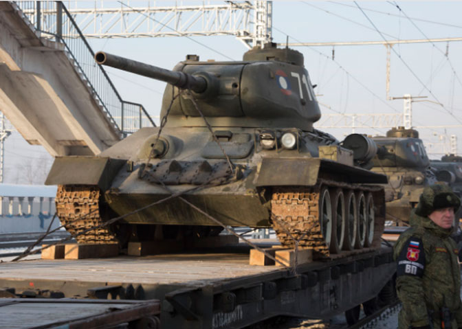 Počast za legendarne tenkove T-34 duž transsibirske prug