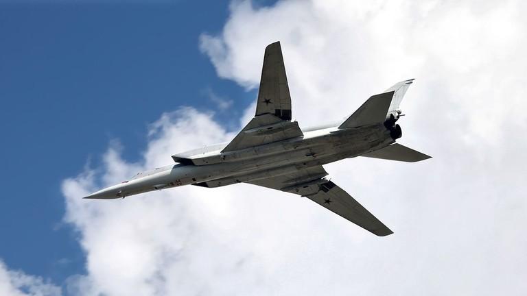 РТ: Срушио се стратешки бомбаредер Ту-22М3 на северозападу Русије