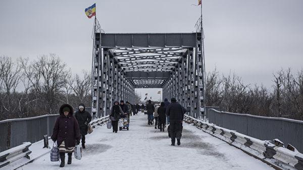 Луганск: У Донбас стигао воз украјинских снага са тешком техником
