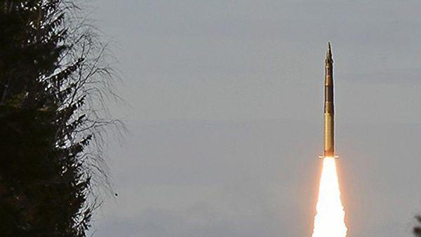 """Са космодрома Плесецк лансирана интерконтинентална балистичка ракета """"јарс"""""""