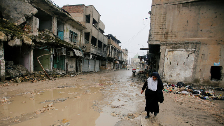"""РТ: """"Ми смо као живи мртваци"""": Грађани Мосула у очају годину ипо након ослобођења"""