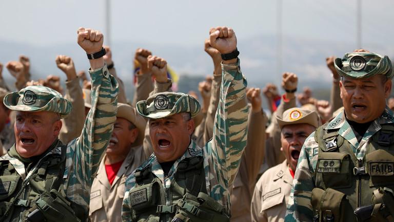 """РТ: Мадуро жели војску на границу са Колумбијом због """"провокација"""" САД"""