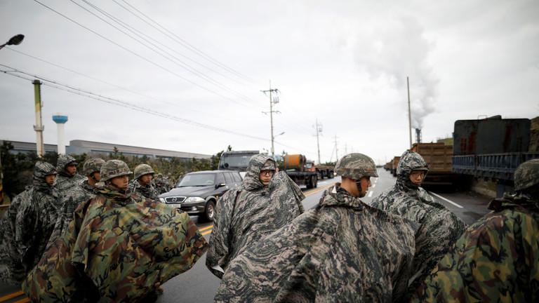 РТ: САД и Јужна Кореја обустављају велике војне вежбе како би подстакле денуклеаризацију - Сеул