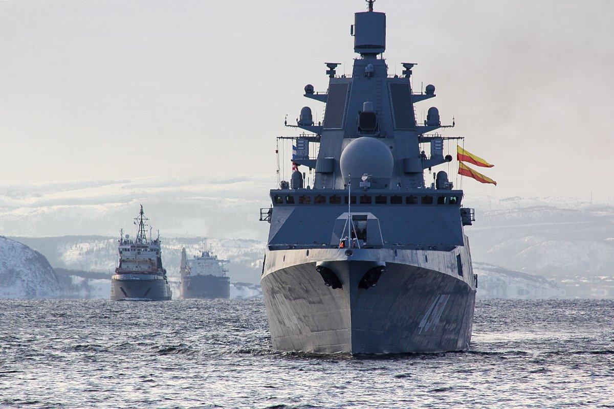 Одред руских бродова почео да пролази кроз канал Ламанш