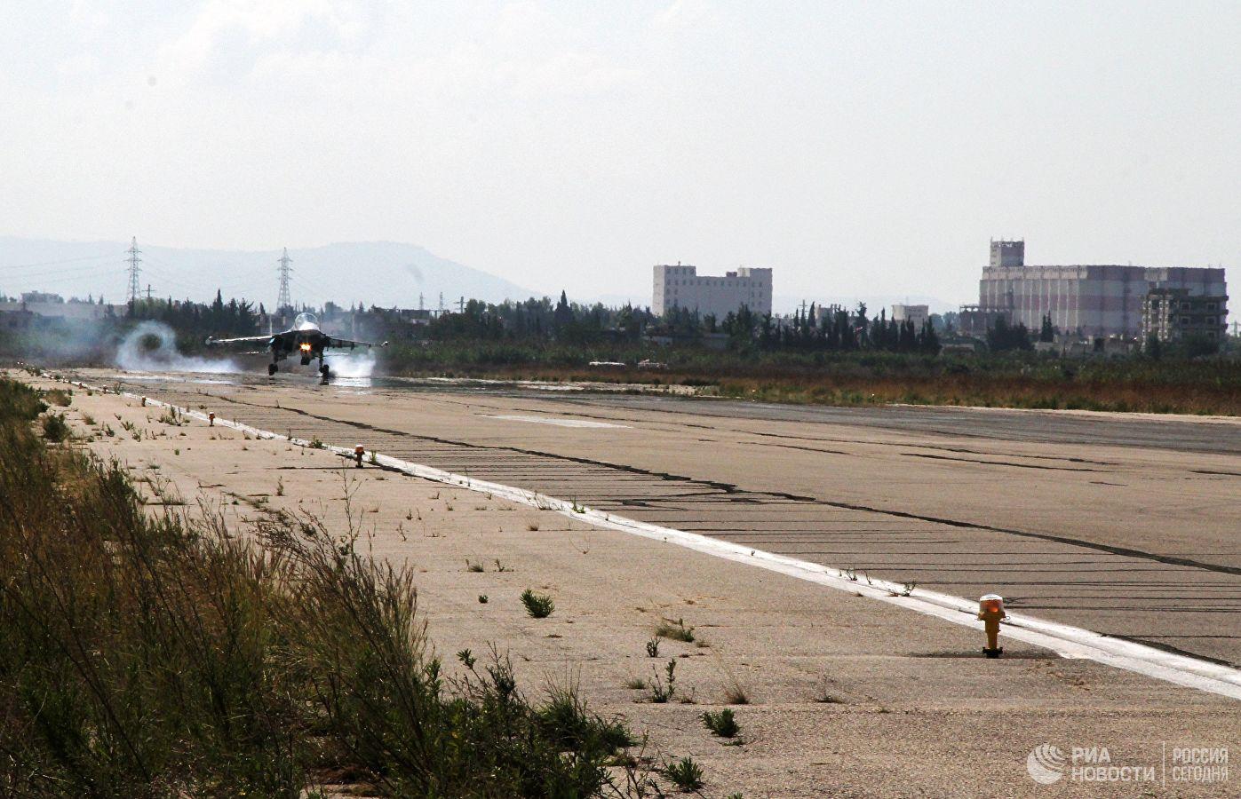 Руска авијација уништила складиште оружја терориста у Идлибу