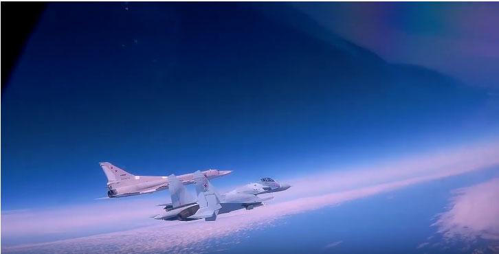 Лет стратешких бомбардера Ту 22М3 изнад Црног мора