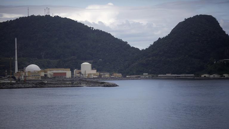 РТ: Наоружана банда напала конвој који је превозио уранијумско гориво за бразилску нуклеарну електрану