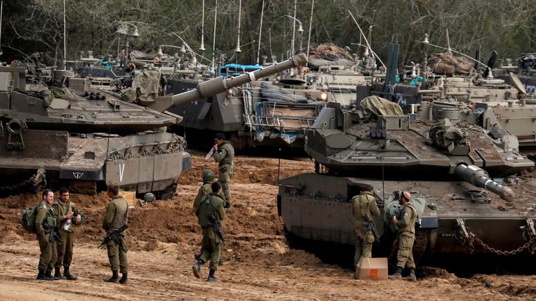 """РТ: Израел гађао """"терористичке циљеве"""" у Гази другу ноћ док се трупе концентришу на граници"""