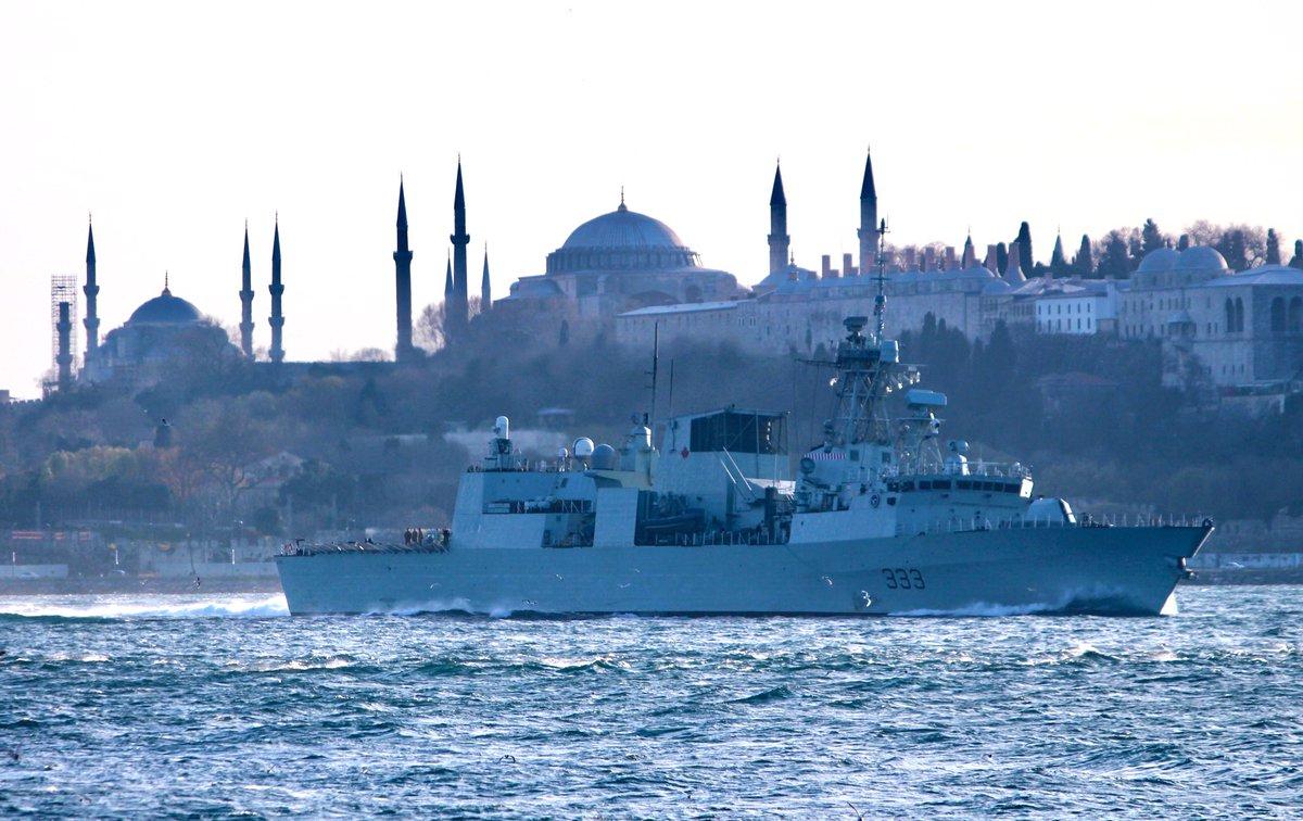 НАТО бродови упловили у Црно море