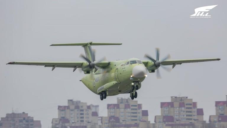 РТ: Руски нови војни транспортни авион Ил-112В направио први лет