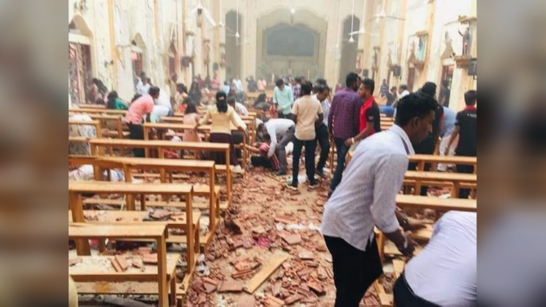 RT: Oko 160 ubijenih, stotine ranjenih u šest eksplozija u hotelima i crkvama u Šri Lanki na Uskrs