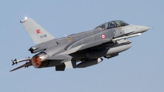 Osam turskih vojnih aviona sinoć 34 puta povredilo grčki vazdušni prostor