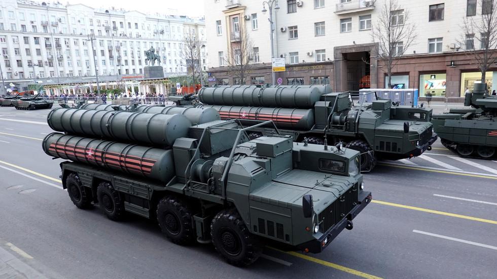 РТ: Русија ће почети са испорукама ПВО система С-400 Турској за два месеца, а туске посаде су обучене