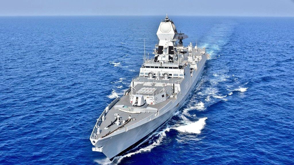 Indijska mornarica poslala dva broda u Omanski zaliv