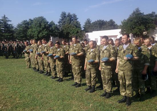 У бази Специјалне бригаде Војске Србије припадници Војске Русије и Белорусије обележили Дан сећања и жалости