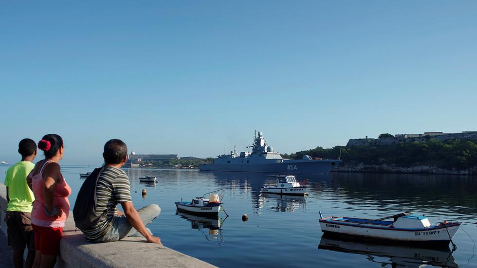 РТ: Руска фрегата стигла на Кубу под будним оком америчке морнарице
