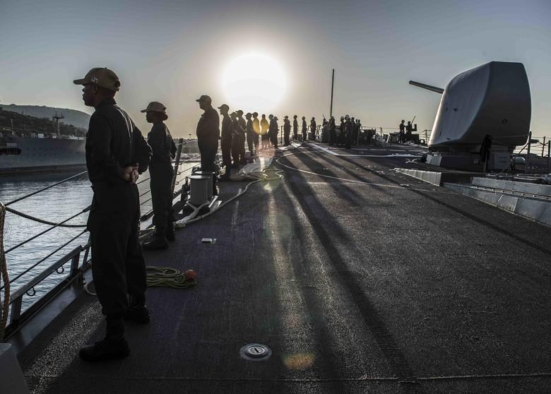 САД упутиле разарач у Црно море ради вежбе са Грузијом и Бугарском