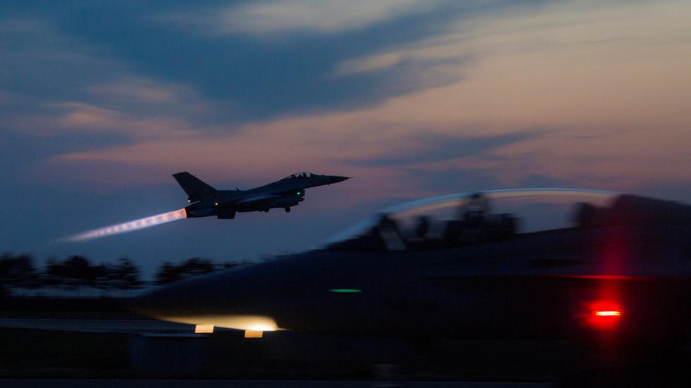 """РТ: Јужна Кореја испалила """"хице упозорења"""" након што је руски војни авион """"прекршио ваздушни простор"""""""