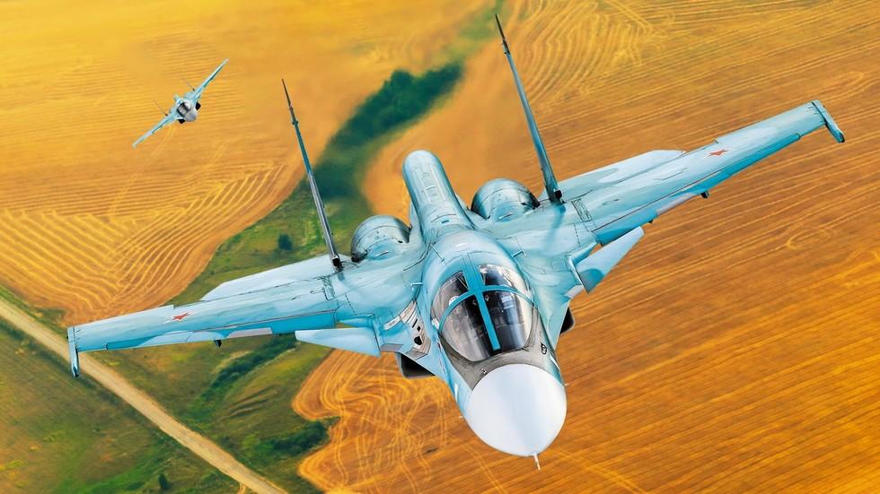 """РТ: Од бомбардера с пропелерима до авиона пете генерације: """"Сухој"""" обележава 80 година постојања"""