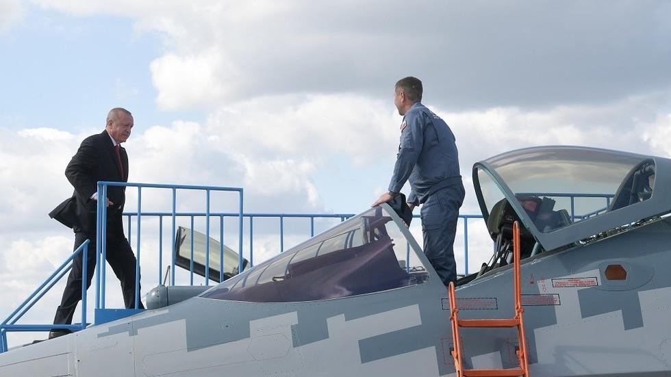 """РТ: """"Што да не? Нисмо овде џабе дошли"""": Ердоган о куповини руског Су-57 као алтернативи Ф-35"""