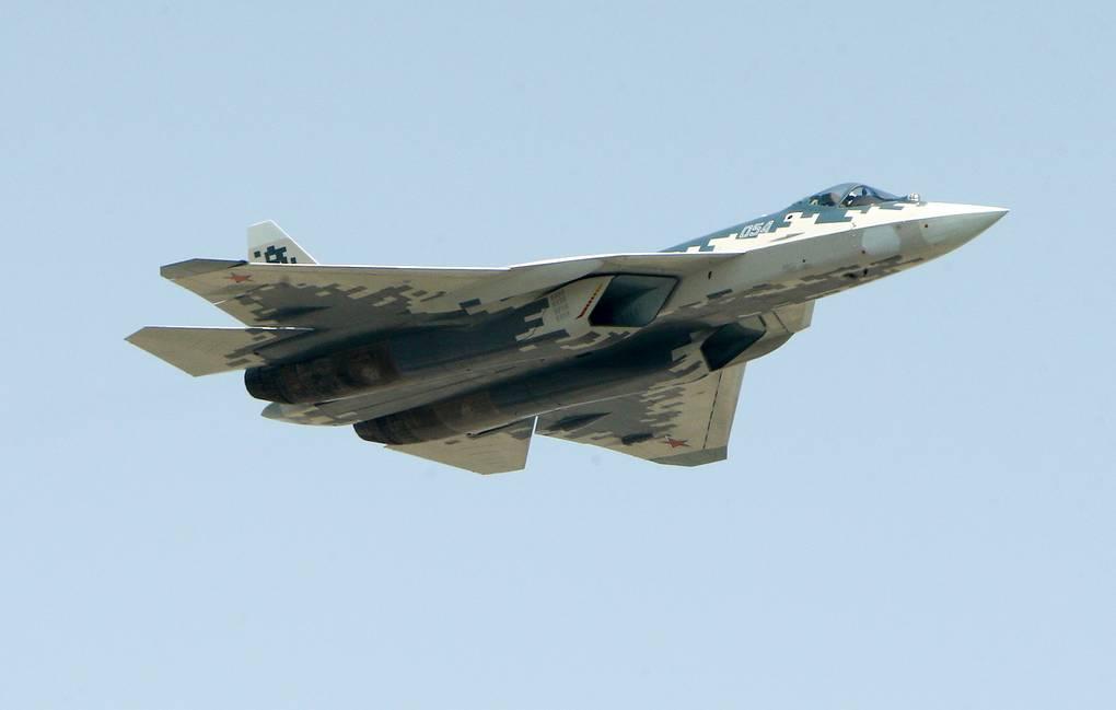 Наступ авиона Су-57 на Међународном ваздухопловно-космичком сајму