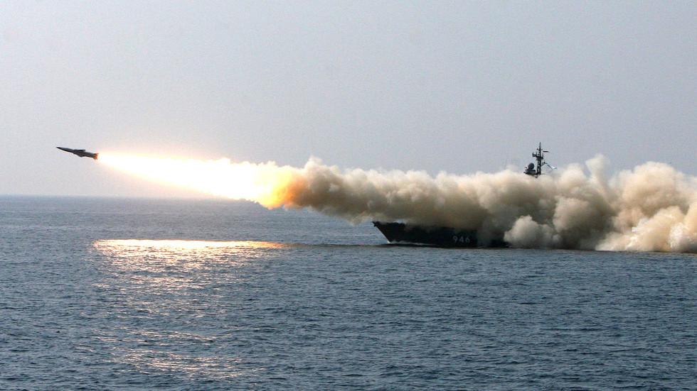 РТ: Маневри групе бродова Пацифичке флоте у Охотском мору