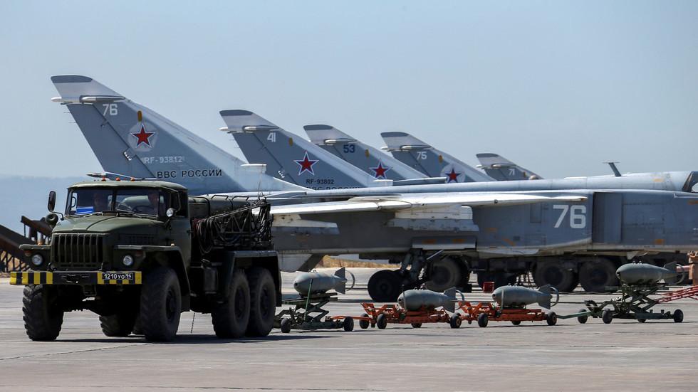 РТ: Руска ваздухопловна база у Сирији унапређена хангарима за додатну флоту и заштиту