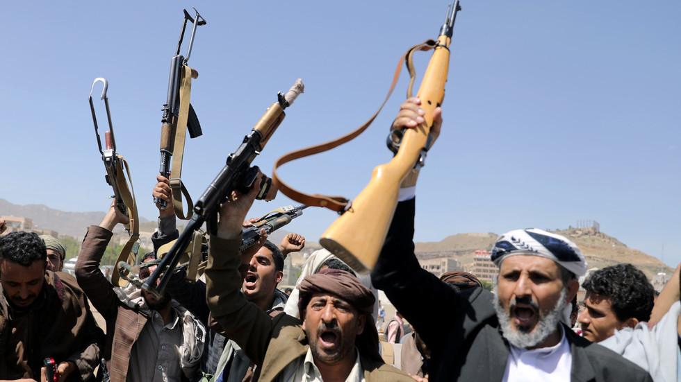 РТ: Јеменски Хути тврде да су неутралисали три бригаде саудијских снага, те запленили велики број технике