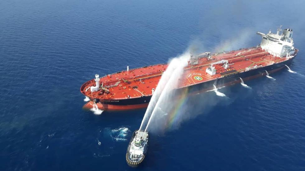 RT: Eksplozije na iranskom tankeru u blizini saudijskog lučkog grada Džede