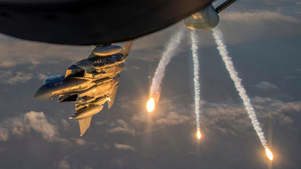 """RT: """"Pokazali silu"""": Američki avioni i helikopteri zapretili militantima koje podržava Turska da su se """"veoma približili"""" američkim snagama u Siriji"""