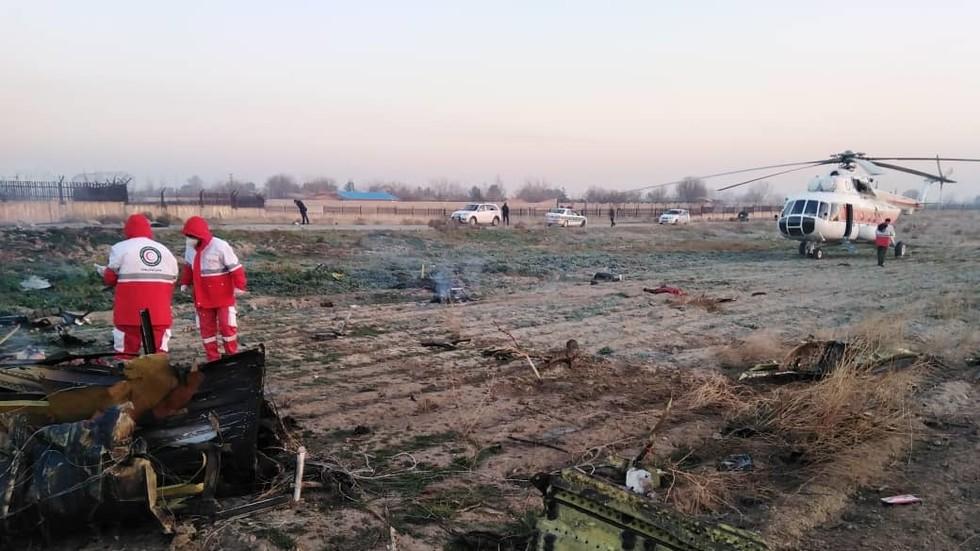 """РТ: Срушио се украјински """"Боинг 737"""" при полетању у Техерану, нема преживелих"""