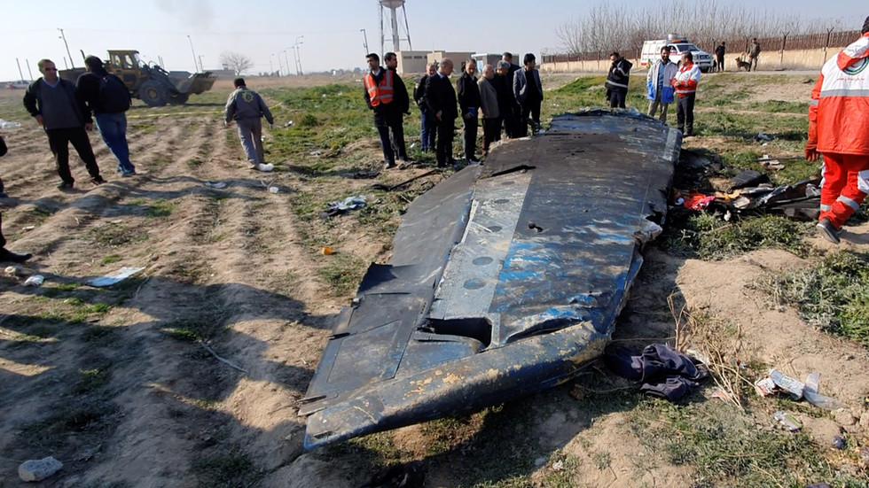 """РТ: """"Људска грешка у време кризе изазване америчким авантуризмом довела до катастрофе"""": Зариф о обарању украјинског авиона"""
