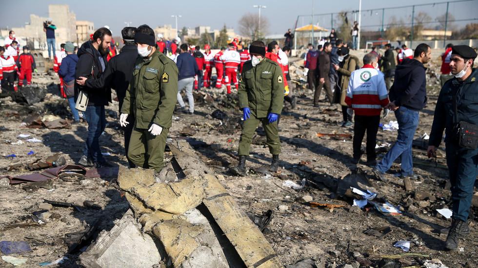 """РТ: """"Волео бих да сам мртав"""": Командант ПВО-а Револуционарне гарде прихвата пуну одговорност за обарање украјинског авиона"""