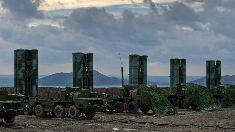 """РТ: """"Лажни осећај сигурности!"""" Пакистан тврди да куповина С-400 од стране Индије подстиче трку у наоружању… док тестира балистичке ракете"""