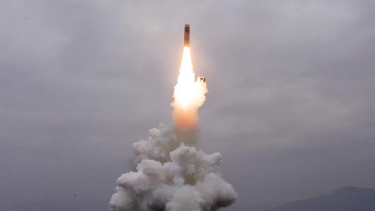 РТ: Пјонгјанг лансирао два пројектила према Јапанском мору - Сеул