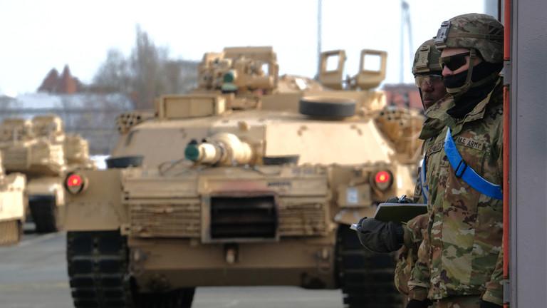 РТ: САД обустављају распоређивање технике и повлаче снаге из највеће НАТО вежбе због коронавируса